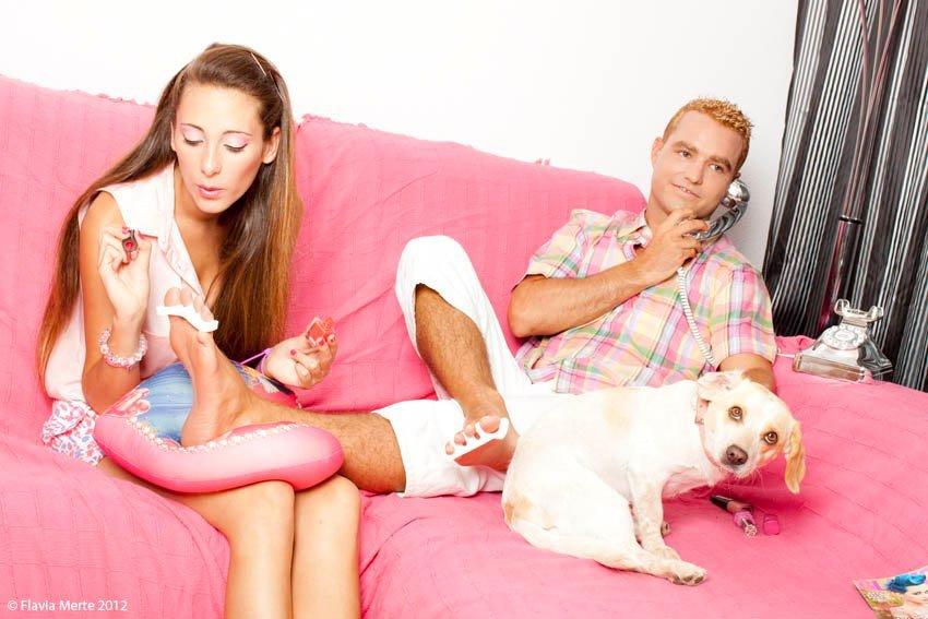 foto barbie ken sofa make up caracterizacion