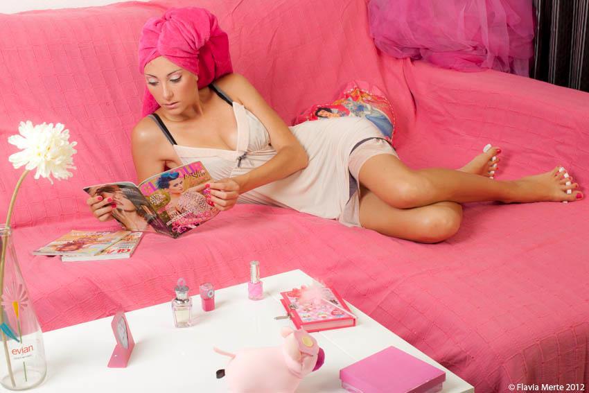 caracterizacion barbie make up sofa