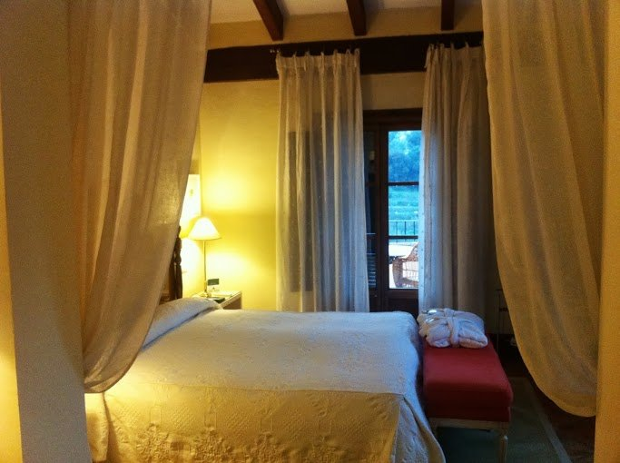 hotel valldemosa habitacion